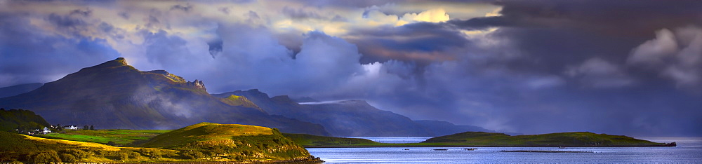 Scotland, Isle of Skye, Storm clouds in Scottish Highlands