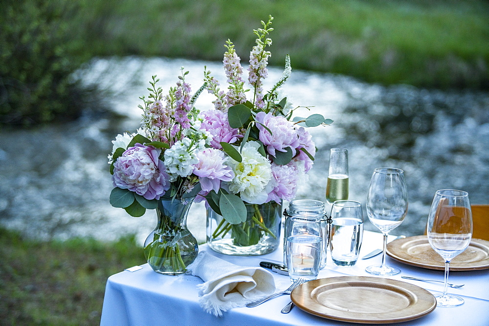 Outdoor dinner table setting with fresh flowers - 1178-30154