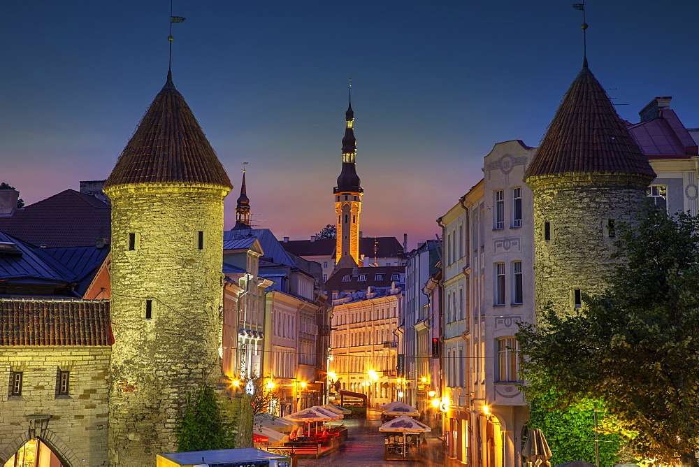 Europe, Baltic States, Estonia, Tallinn, Old town architecture at night - 1178-30163