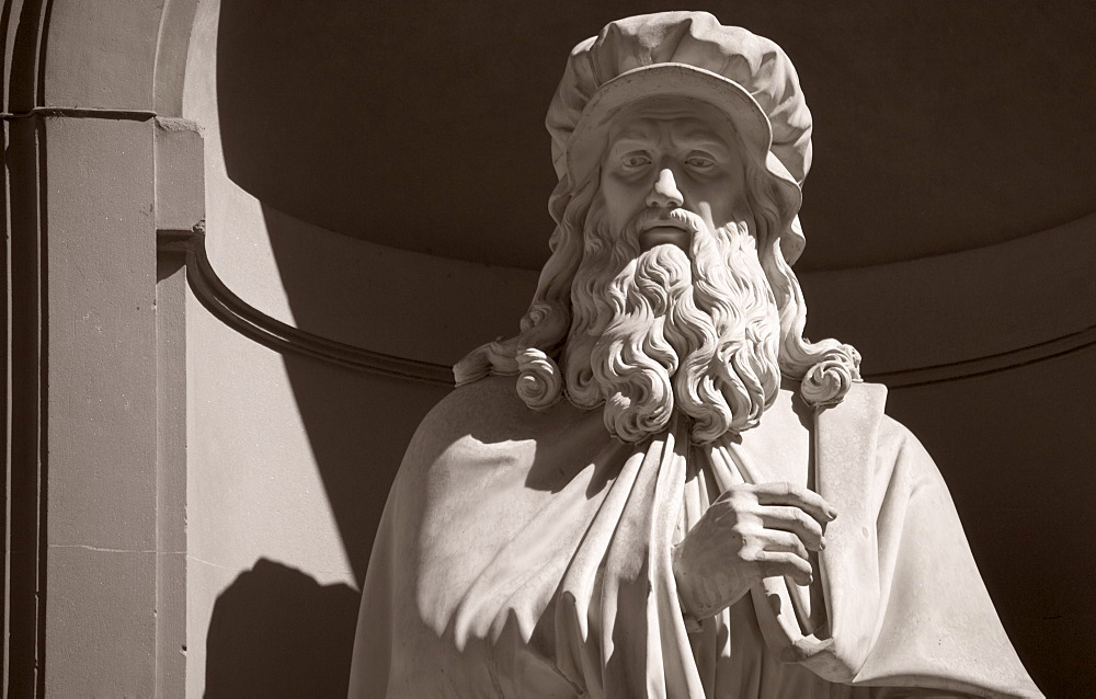 Leonardo Da Vinci statue Uffizi gallery Florence Italy