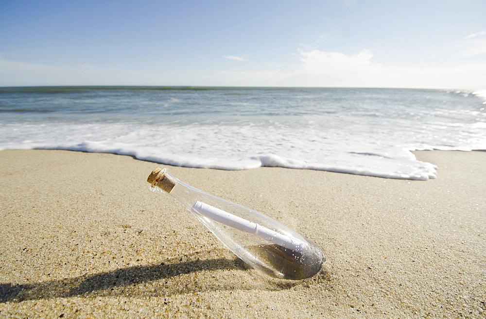 Message in bottle, USA, Nantucket