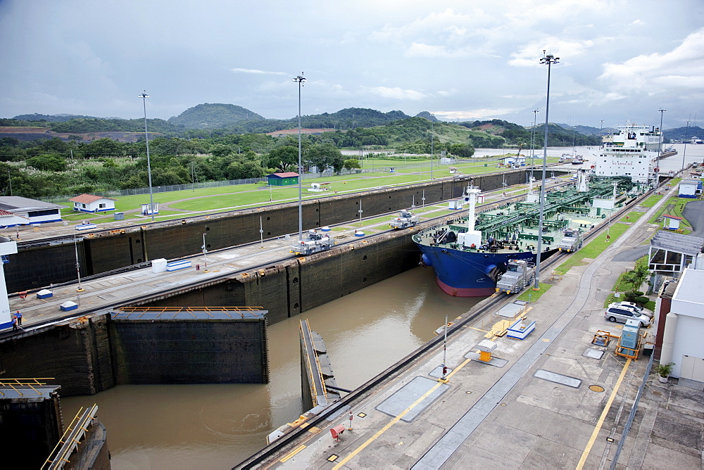 Panama, Panama City, Ship in canal lock