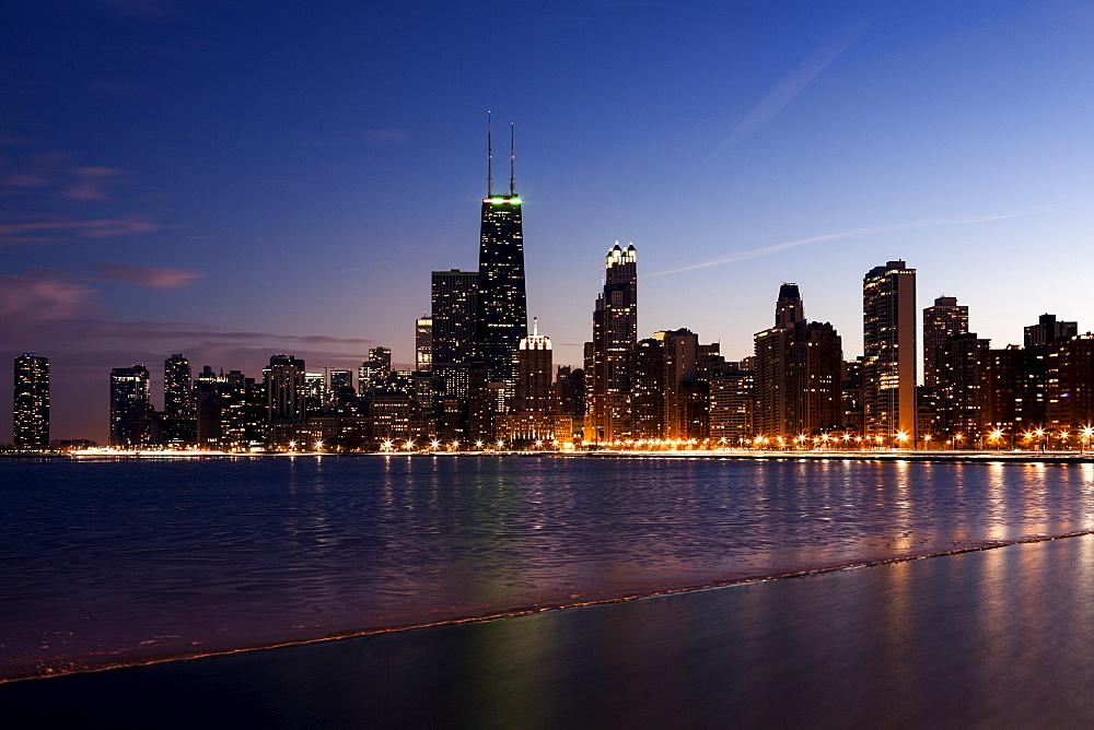 Downtown seen from North Avenue Beach, Chicago, Illinois