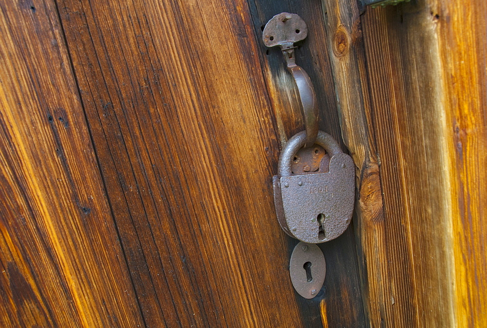 Padlock on wooden cabin, Zebulon Baird Vance birthplace
