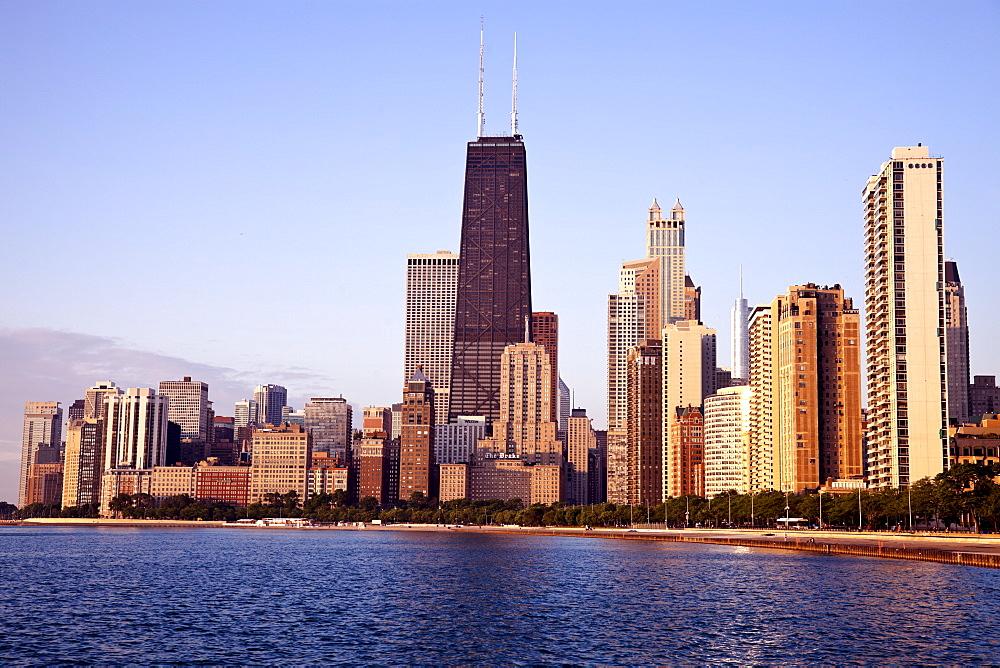 Gold Coast in Chicago at sunrise, USA, Illinois, Chicago, Michigan City - 1178-7014