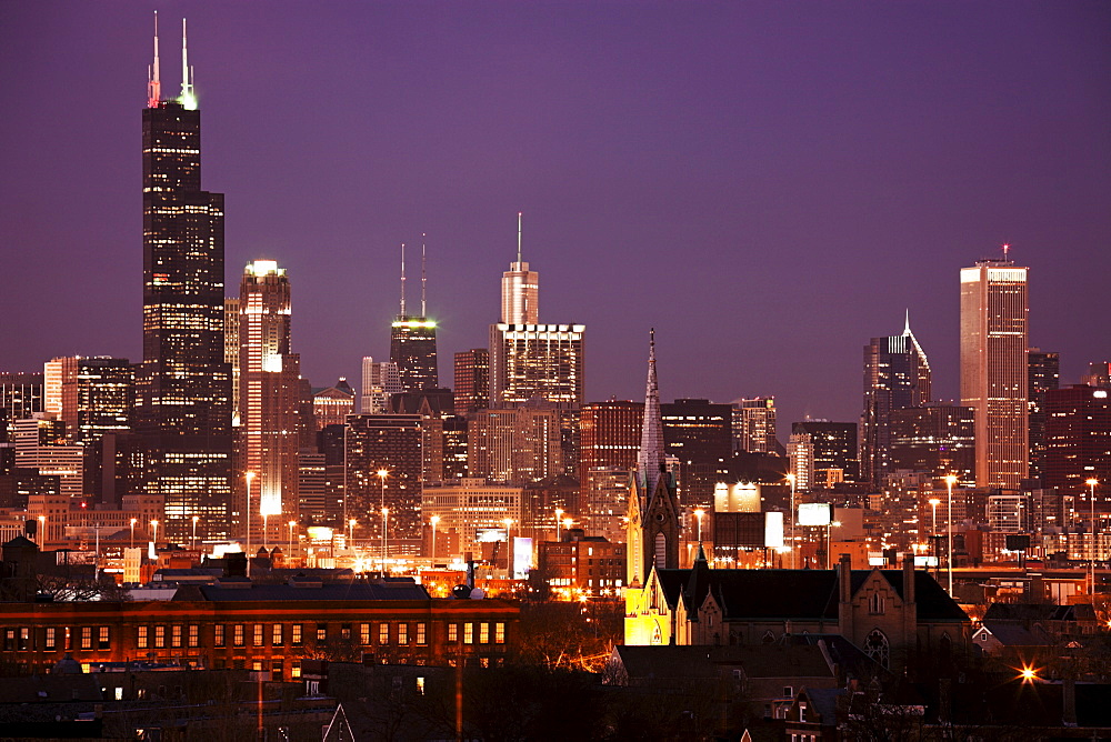 USA, Illinois, Chicago skyline at night