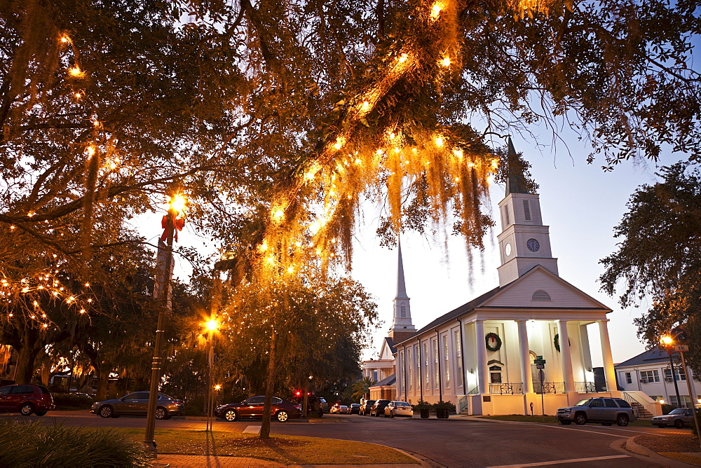 USA, Florida, Tallahassee, Church with lights on tree