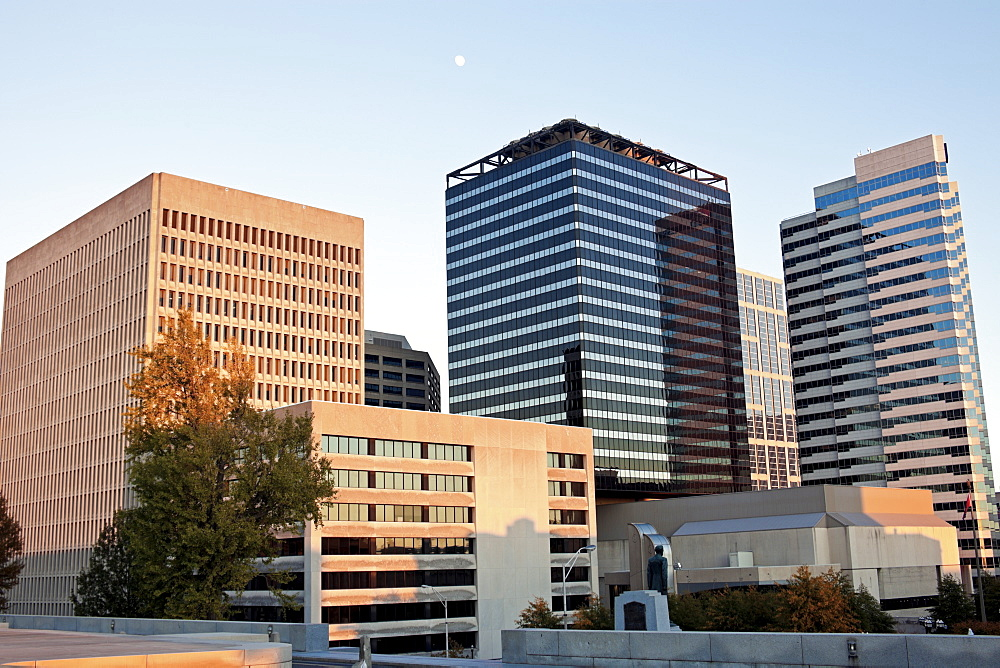 USA, Tennessee, Nashville, Buildings at sunset