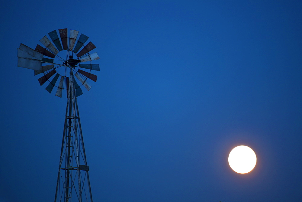 USA, Wisconsin, Windmill with full moon