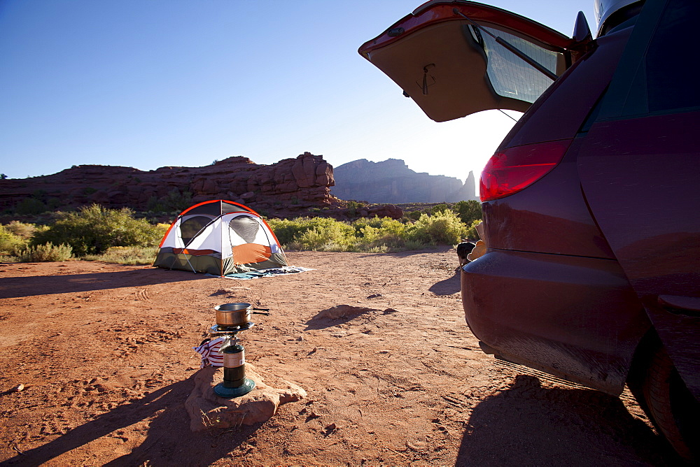 USA, Utah, Moab, Car and tent in desert