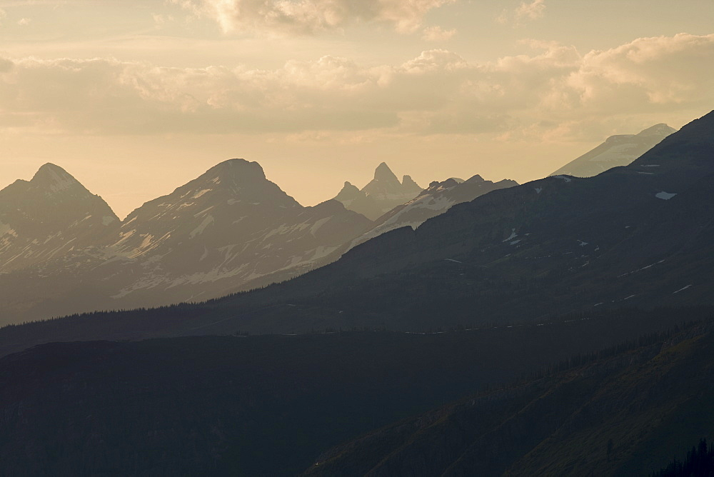 USA, Montana, Glacier National Park, Mountain range