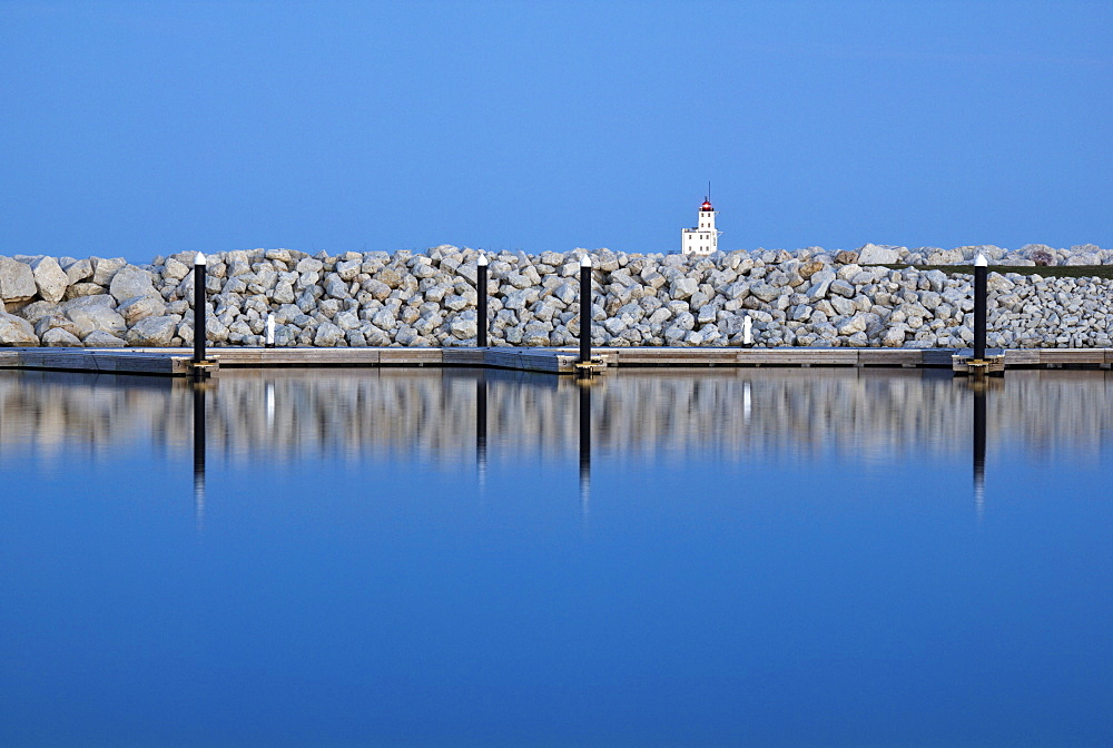 USA, Wisconsin, Milwaukee, Lake Michigan waterfront