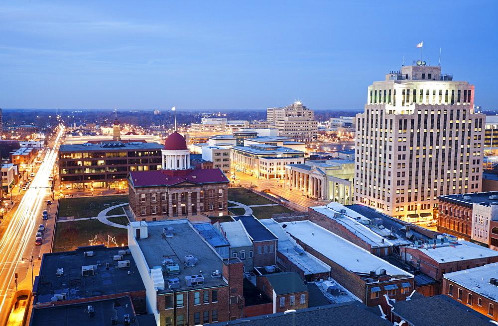 USA, Illinois, Springfield, City illuminated at dusk