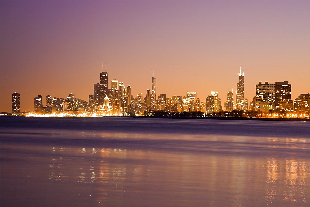 USA, Illinois, Chicago, City skyline over Lake Michigan