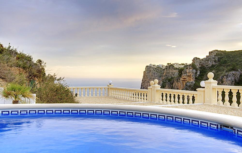 Spain, Costa Blanca, Hotel swimming pool
