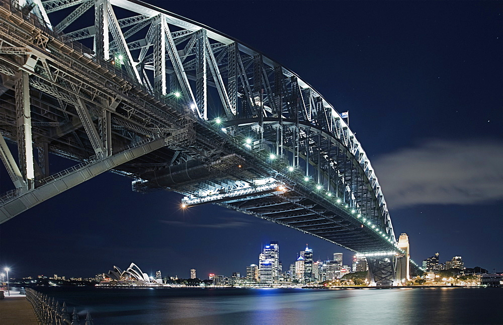 Australia, Sydney, Sydney Harbour Bridge at night