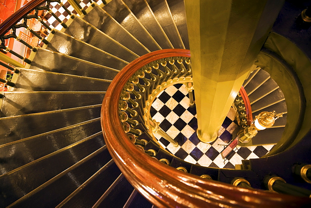 USA, Louisiana, Baton Rouge, State Capitol interior staircase