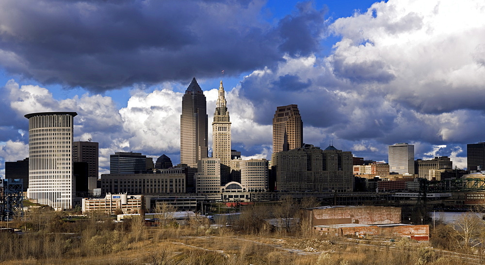 USA, Ohio, Cleveland, cityscape with cloudy sky
