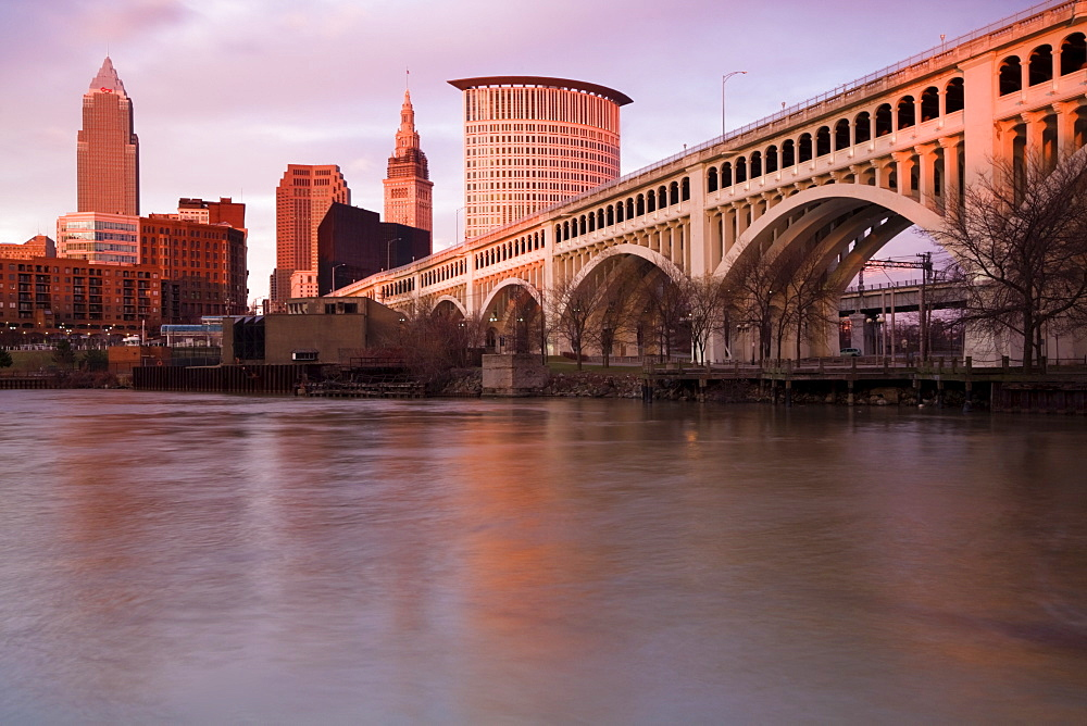 Cleveland, USA, Ohio Cleveland, cityscape with arch bridge