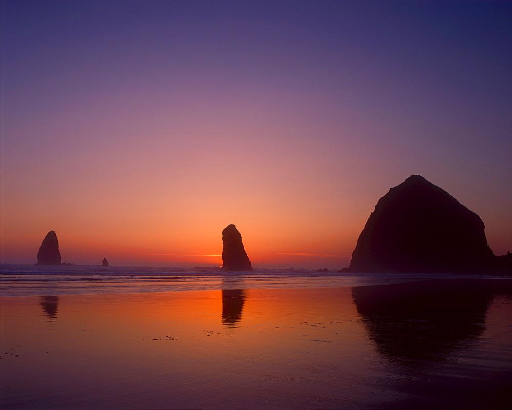 USA, Oregon, Haystack Rock