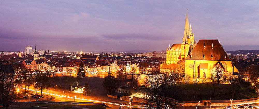 Illuminated cityscape with Erfurt Cathedral, Germany, Thuringia, Erfurt, Domplatz,Churches of St Severus, Cathedral of St. Mary Domberg