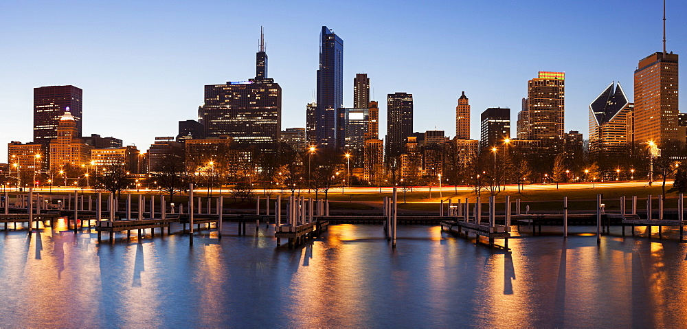 City skyline at dusk, Chicago, Illinois