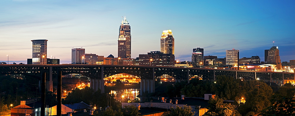 USA, Ohio, Cleveland, Often called city of bridges, at dusk