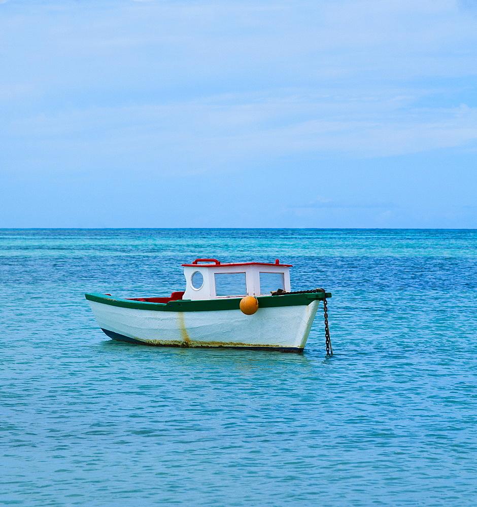 Aruba, boat on sea