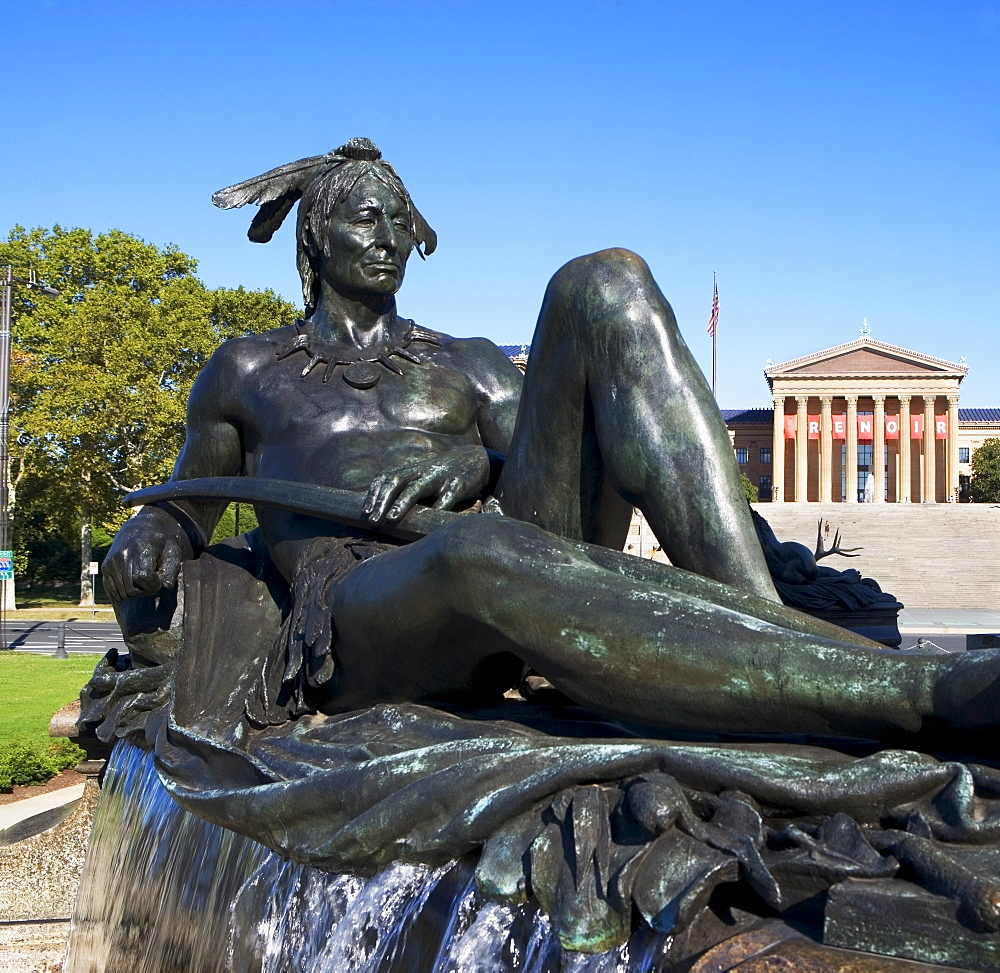 USA, Pennsylvania, Philadelphia, Neo-classical fountain statue, museum in background
