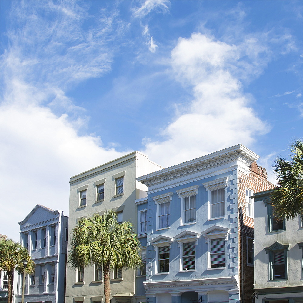 South Carolina, Charleston, Buildings in street