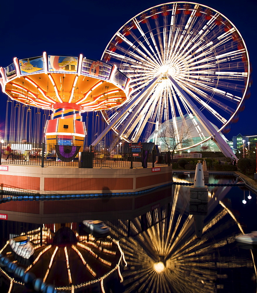 USA, Illinois, Chicago, Ferris wheel and carousel at Navy Pier