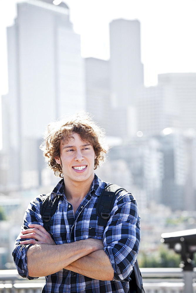 USA, Washington, Seattle, Young man sightseeing