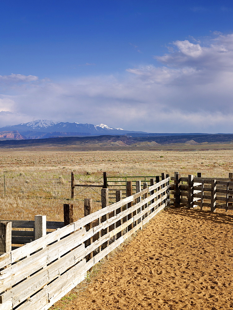USA, Utah, Wooden fence on ranch