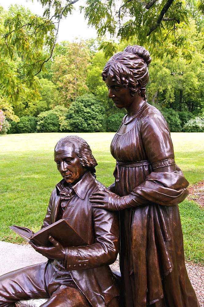 USA, Virginia, Orange, Montpelier, statues of Dolly and James Madison