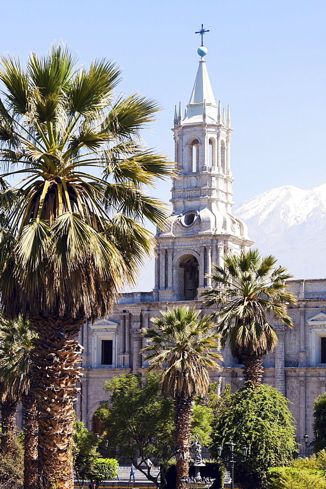 Basilica Cathedral of Arequipa and El Misti Volcano, Arequipa, Peru