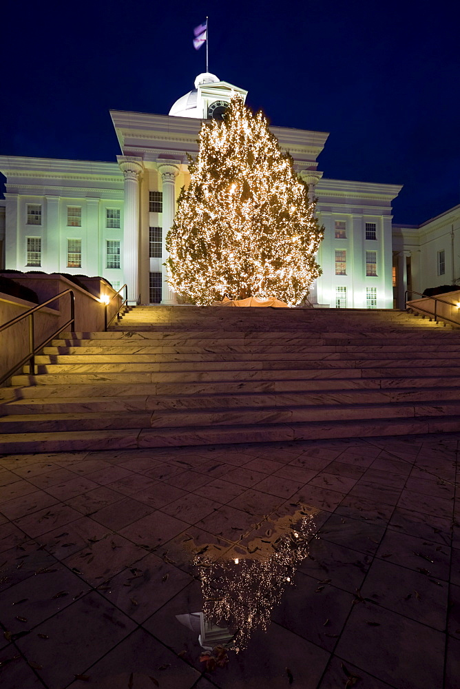 USA, Alabama, Montgomery, Christmas tree outside State Capitol building
