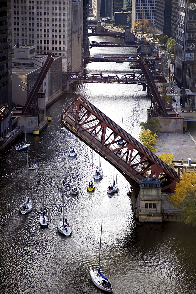 USA, Illinois, Chicago, elevated view of canal with yachts
