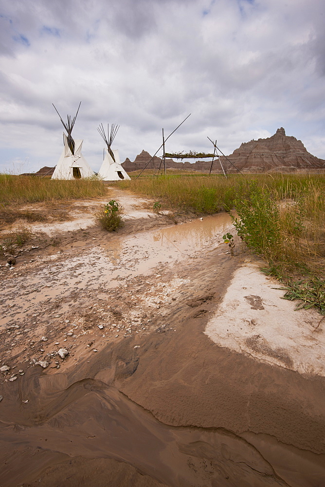 USA, South Dakota, Teepee in Badlands National Park
