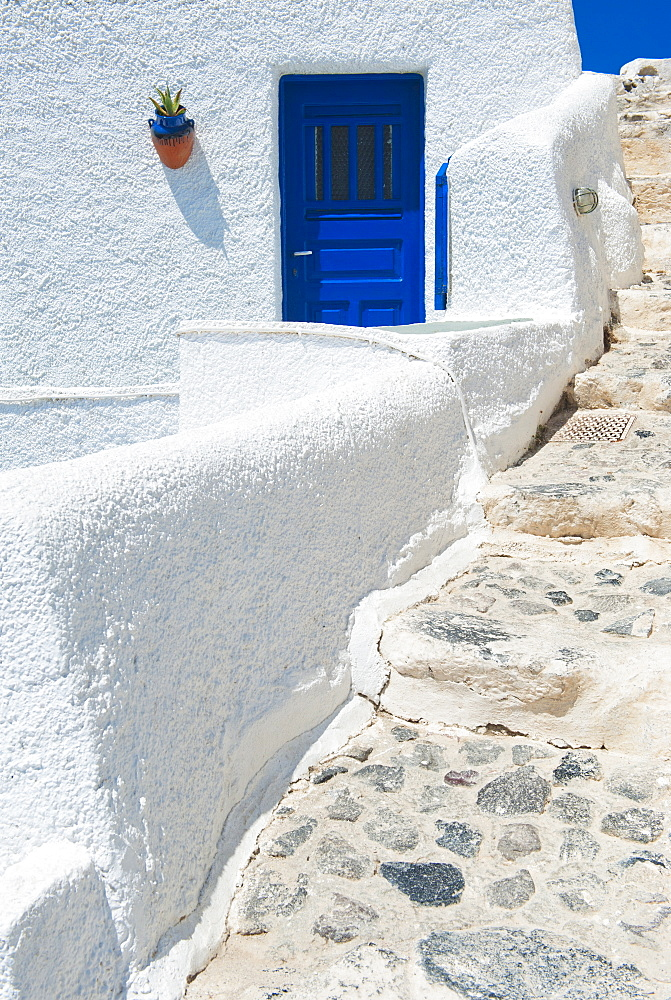 Greece, Cyclades Islands, Santorini, Oia, Steps outside house - 1178-15137
