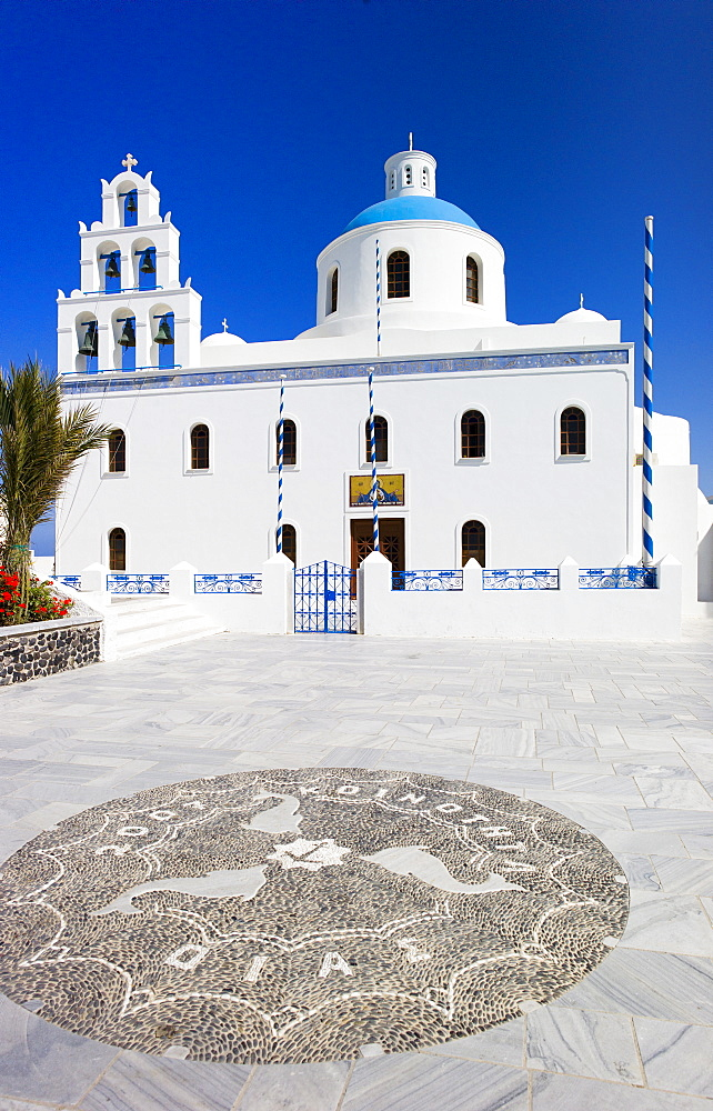 Greece, Cyclades Islands, Santorini, Oia, Church with stone mosaic