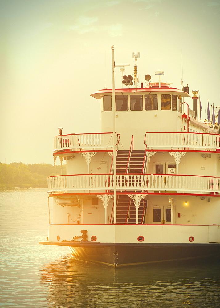 USA, Georgia, Savannah, Passenger ship