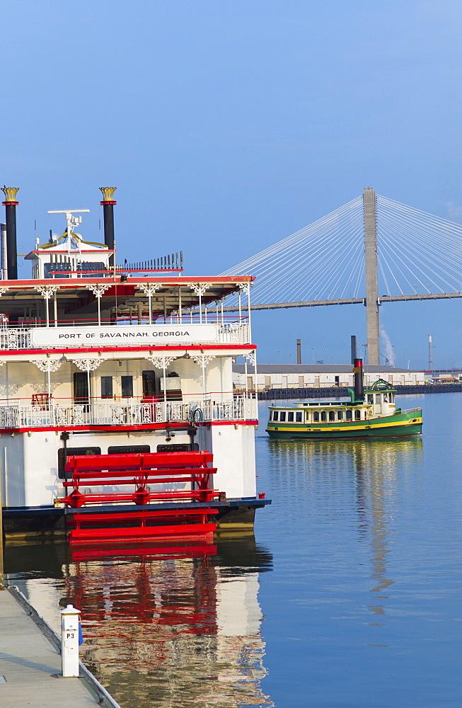 USA, Georgia, Savannah, Passenger ship with Talmadge Bridge in background