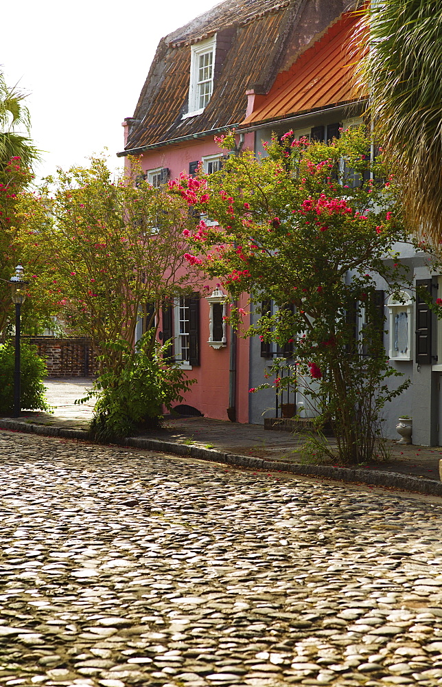USA, South Carolina, Charleston, Old cobblestone street