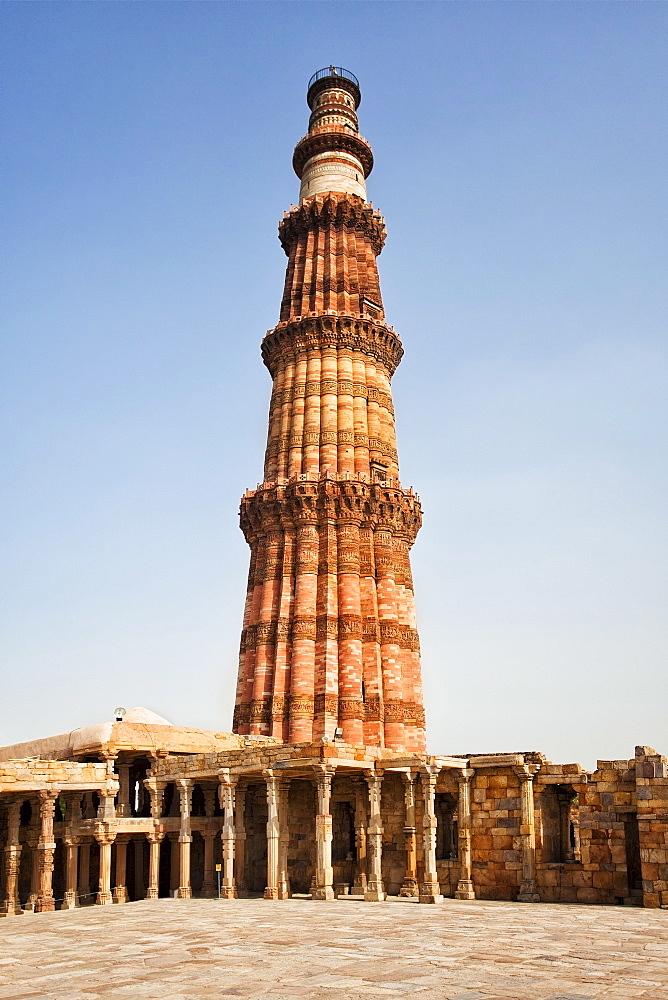 India, Delhi, Qutub Minar, low angle view of minaret, India, Delhi, Qutub Minar