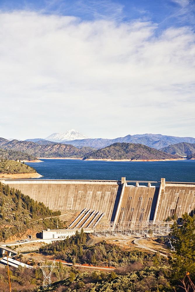 USA, California, Lake Shasta, Lake Shasta Dam, Lake Shasta Dam, Lake Shasta, California, USA