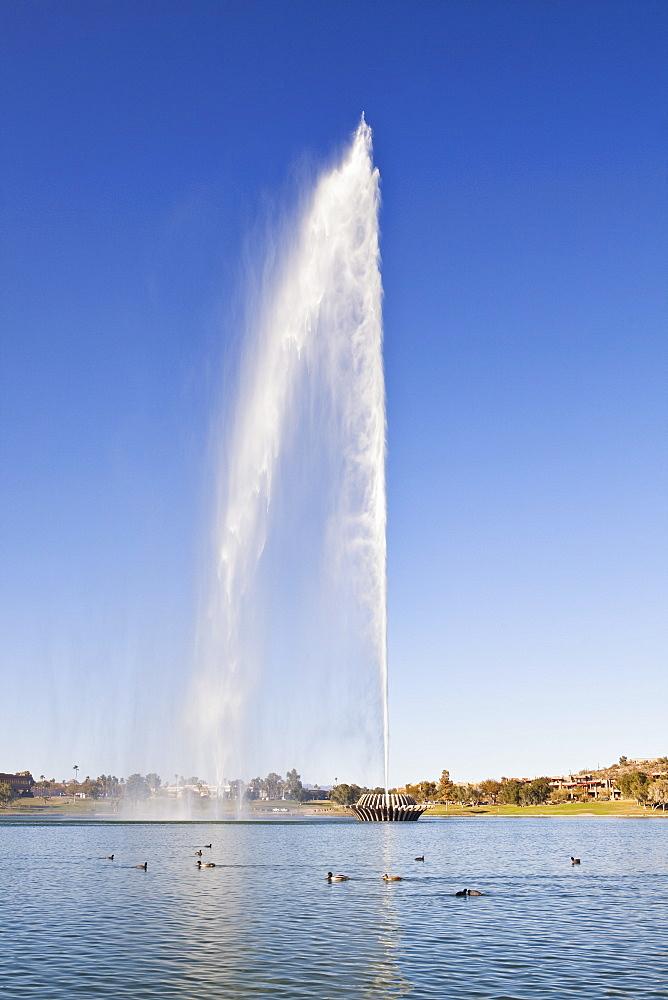 USA, Arizona, Fountain Hills, fountain spraying water, USA, Arizona, Fountain Hills