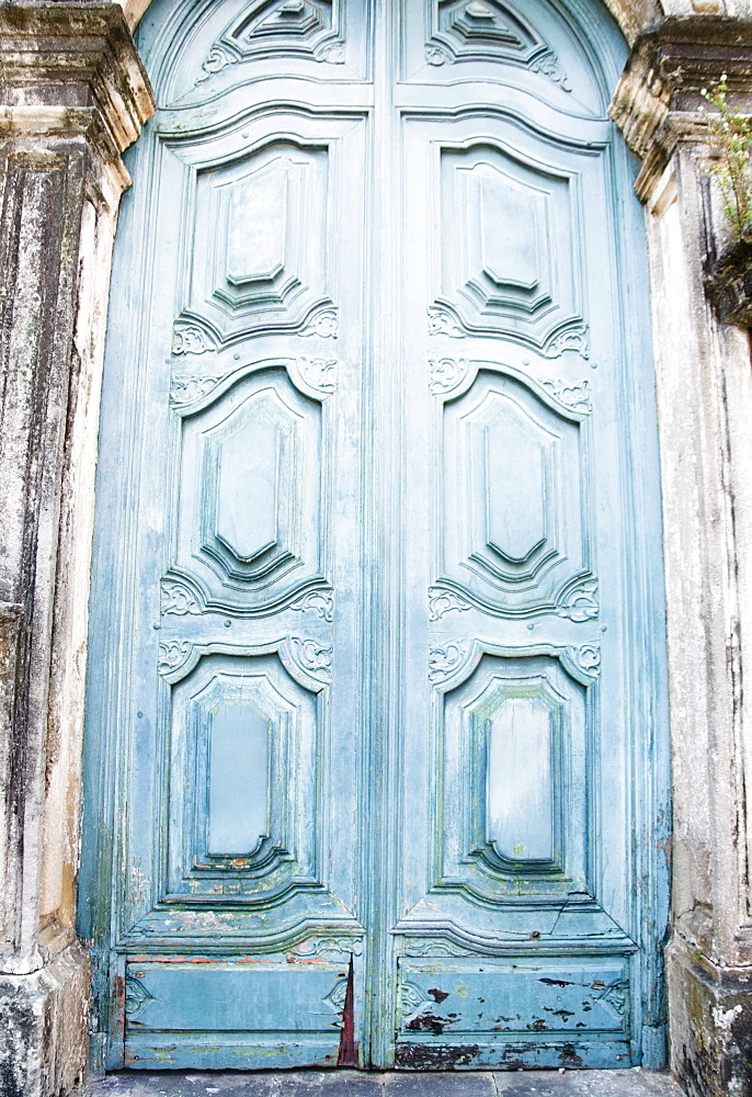 Brazil, Bahia, Salvador De Bahia, Close-up on blue carving door - 1178-17153