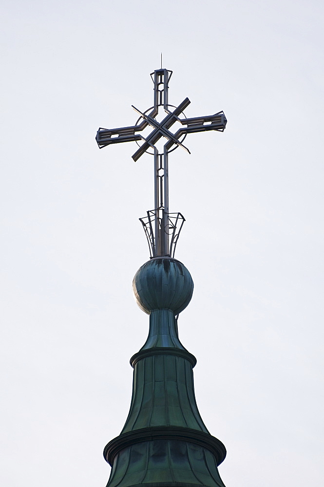 Cross of Marie-reine-du-monde cathedral