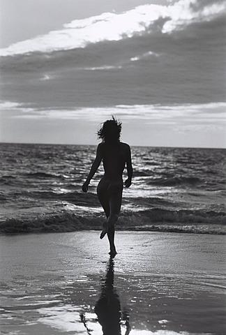 Cape Verde Island, Sal, Naked woman running on beach, Capeverdian Islands, Sal