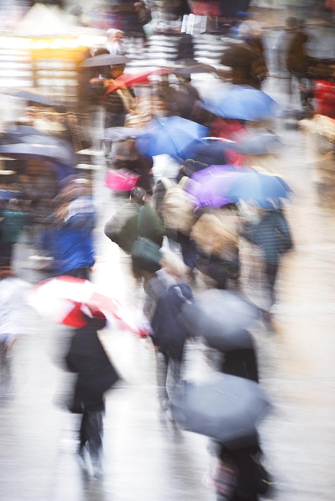 USA, New York state, New York city, pedestrians walking with umbrellas